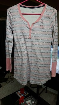 pink gray and black striped half button long sleeve shsirt Waterloo, N2T