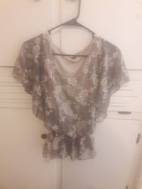 women's brown and white floral blouse Lubbock, 79412