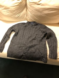 Men's gap sweater size medium Kulpmont, 17834