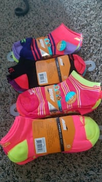 6 pack Avia low cut $3 ea or all 4 for $10 Chula Vista, 91910