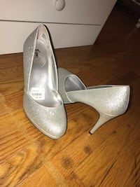 Brand new high heels Brampton, L6T 1V3