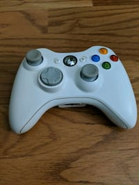 Xbox 360 controller with connector cable and rechargeable battery pack Annapolis, 21403
