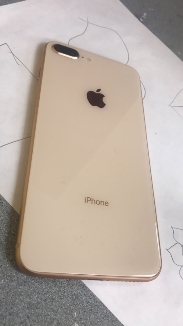 gold iPhone 6 with case