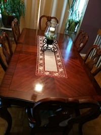authentic wood dining table Montréal, H8R 3L8