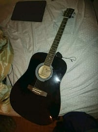 black and brown acoustic guitar Hammond, 46324