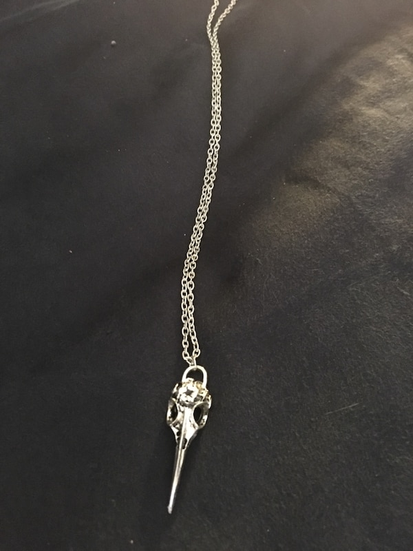 Guys bird skull necklace c4bed471-4bd3-4897-8769-7fd324b4c2e7