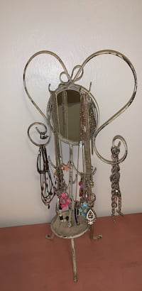 Girls Jewelry necklaces,  bracelets , rings,  mirror stand  lot Grand Junction, 81507