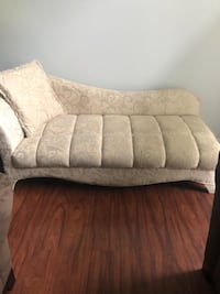 Chaise couch 513 km