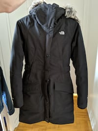 Black North Face Winter Jacket/Manteau d'hiver North Face MONTREAL