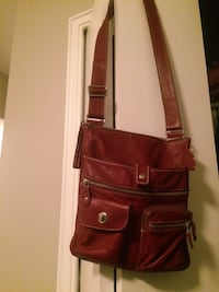 ROOTS Venetian Village Prince Leather Purse. Limited addition colour. Retails $260 Toronto, M6K 1Z4