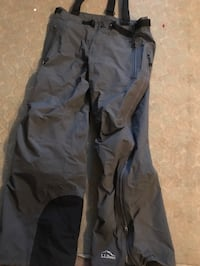 *BRAND NEW* L.L  Bean snow pants with suspenders- medium Montréal, H1H 4M1