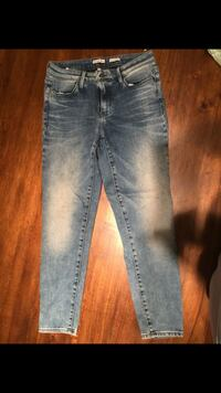 distressed blue-washed jeans Houston, 77077