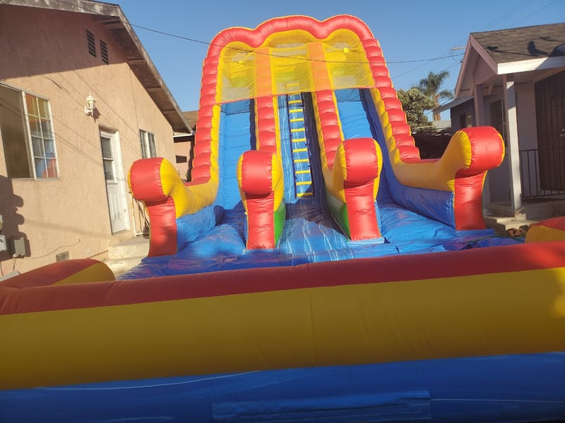 Water slide  20h x40Lx18W rent   bbfa69d8-82ad-44cd-b10a-9adb42ba4050
