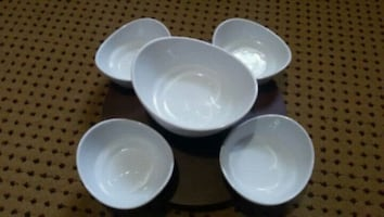Dishes with rotating table.