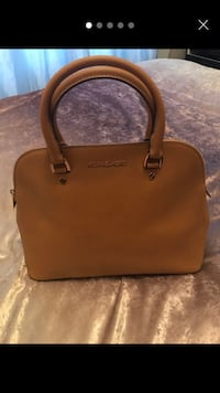 brown leather Michael Kors 2-way bag