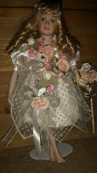 Old Fashioned Floral and Lace Porcelain Doll