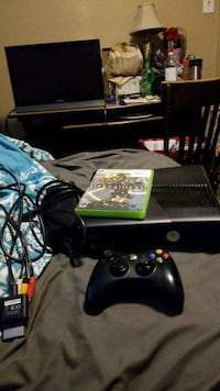 Xbox 360 console w/ Darksiders game, & controller  Lakewood, 80214
