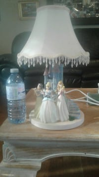 Ceramic princess lamp Markham, L3P 2W4