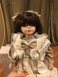 VINTAGE PORCELAIN DOLL AMERICAN CLASSICS COLLECTION Millersville, 17603