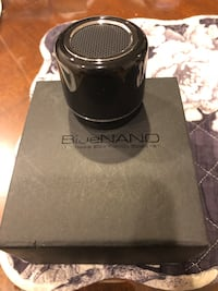 Blue Manno wireless Bluetooth speaker and great condition 2412 mi