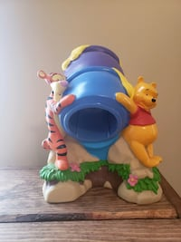 Winnie the Poo with Tigger honey pot Shippensburg, 17257