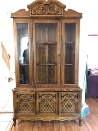 Beautiful, well-cared-for China cabinet Edgewater