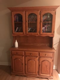 Solid Oak Buffet and Hutch WOODBRIDGE