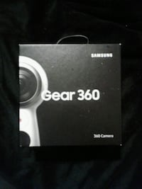 black Samsung Gear VR with controller box San Francisco, 94109