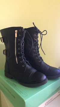Combat Boots with Buckles on side Size 7 Burbank, 91501