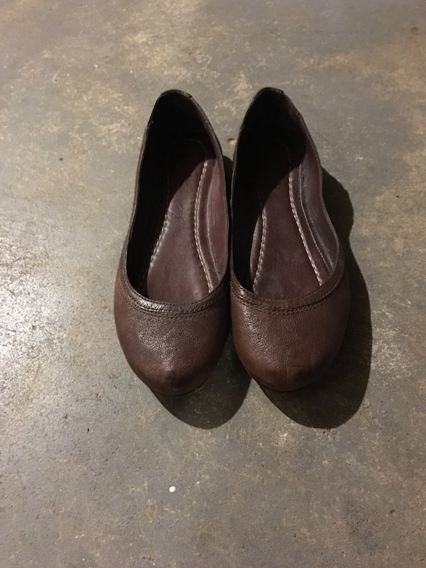 AUTHENTIC FRYE LEATHER BALLET FLATS IN DARK BROWN