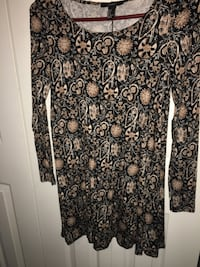 Floral scoop-neck dress Windsor, N8W 5N3