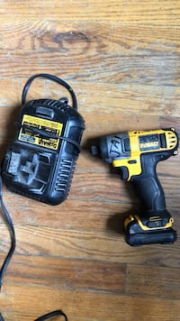 Dewalt cordless hand drill with charger Washington, 20019