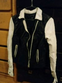 Blck and white leather coat New Bedford, 02740