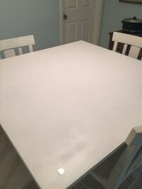 Dining table for 4. Glass top. Palm Harbor, 34683