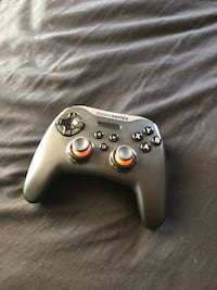 black Xbox One game controller San Jose, 95123