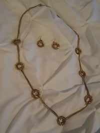 Gold earing and necklace set Fredericksburg, 22407