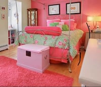 Stunning bed set- pillows included  Somerville, 08876
