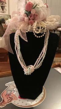 Pretty!!! Beaded Pearl Necklace Gainesville, 20155