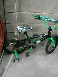 toddler's green and black bicycle with training wheels Los Angeles, 90003