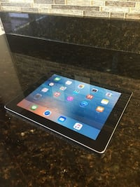 iPad 2 With Charger 16 GB Orlando