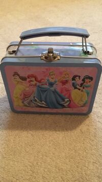 Small Disney princess lunchbox or storage kit