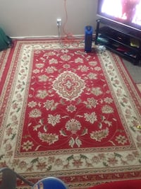 red and white floral area rug Coquitlam, V3J 1X9