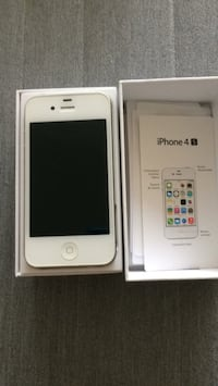 IPhone 4S, 8GB, on Bell network  Toronto, M9A