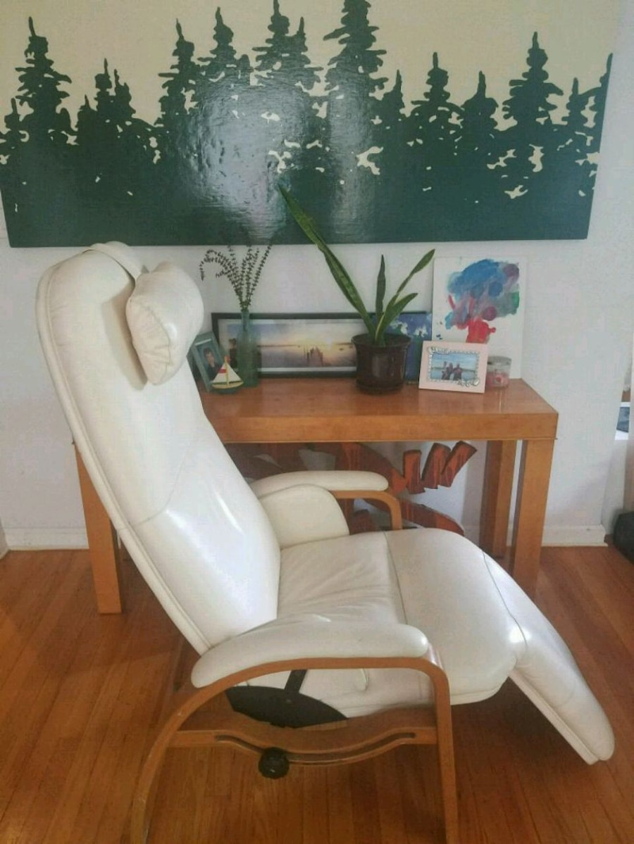 used nepsco backsaver antigravity leather chair for sale in queens rh us letgo com