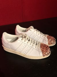 Adidas Shoes w/ Rose Gold Metallic Accent Vaughan, L4L 4Z1