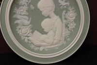 A Franklin Porcelain Mothers Day Collectable Antique 1977 Plate