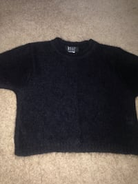 black crew-neck shirt Brampton, L6V 5M5