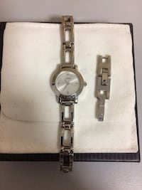 Guess watch w/link attachment