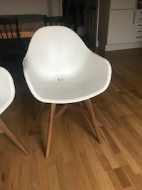 White chair from Ikea 6093 km