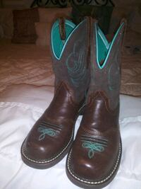 COWGIRL BOOTS.NEW